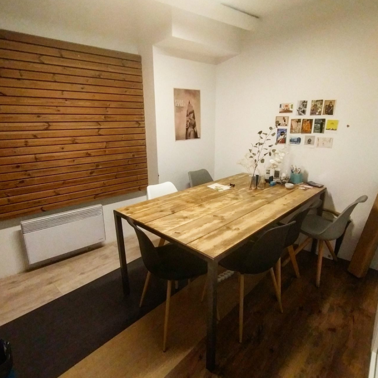 bureau privé en espace de coworking avec fenetre chez myCowork Beaubourg et mycowork montorgueil a paris