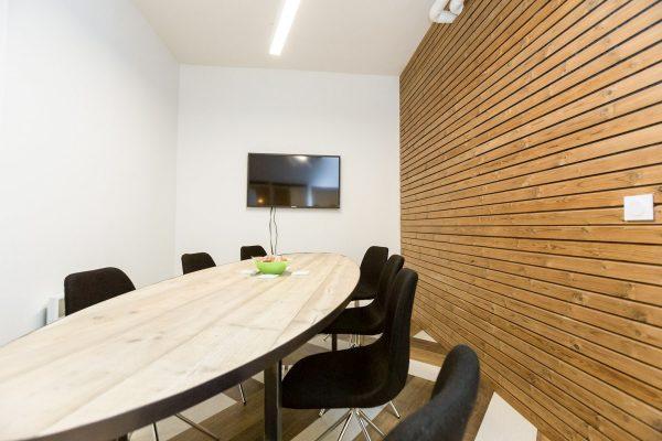 location de salle de réunion - Salle Federici - 8 personnes - myCowork Montorgueil à l'heure et à la journée